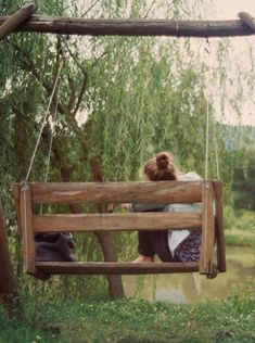 The swing at the lake has become her quiet place. Oh how she loves that old swing. Country Life, Country Girls, Country Living, Country Charm, Country Homes, Southern Charm, Vie Simple, Outdoor Living, Outdoor Decor