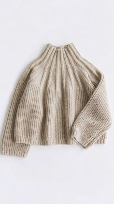Charity Sewing Idea – How To Generate A Garment Address – By Zazok Knitting Pullover, Sweater Weather, Pulls, Look Fashion, Fashion Details, Autumn Winter Fashion, Knitting Patterns, Free Knitting, Knitting Projects