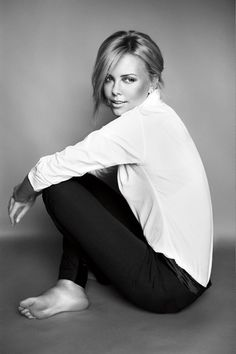 Charlize Theron    http://www.facebook.com/pages/Art-of-street/144938735644793?fref=ts
