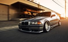 At first I labelled this as a lowered E36 M3, but they had me fooled. It's actually a cleverly disguised 325i / 325is / 328i / 328is with an M Technik front air dam and side skirts (the side mirrors and side black cladding are giveaways that it's not an M3). But damn; nice job!