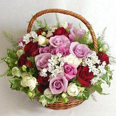 Fruit Flower Basket in Mumbai, फल-फूल टोकरी, मुंबई, Maharashtra Fruit Flower Basket, Rose Basket, Online Flower Delivery, Fresh Flower Delivery, Basket Flower Arrangements, Floral Arrangements, Blooming Flowers, Rose Flowers, Pink Roses