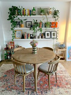 Home Living Room, Apartment Living, Living Room Decor, Dining Room, Dining Table, Deco Studio, Home And Deco, Home Decor Inspiration, Sweet Home