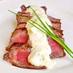 Easy Blue Cheese Sauce Easy Blue Cheese Sauce – A simple to prepare creamy, delicious blue cheese sauce to serve with grilled steak or roast beef or as a dip for veggies! Blue Cheese Steak Sauce, Steak With Blue Cheese, Black Rock Steak Sauce Recipe, Meat Sauce, Rock Recipes, Beef Recipes, Cooking Recipes, Recipies, Grill Recipes