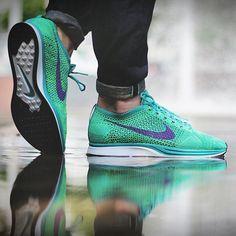 Nike Flyknit Racer: Green