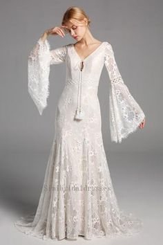 Lace Beach Wedding Dress, White Bridal Dresses, Backless Wedding, Modest Wedding Dresses, Bridal Gowns, Wedding Gowns, Lace Dress, Lace Wedding, Kebaya Wedding
