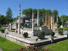 The Minimundus is a miniature park on the Wörthersee at Klagenfurt Klagenfurt, Mosque, Austria, Places To See, Tourism, To Go, How To Plan, Mansions, Park
