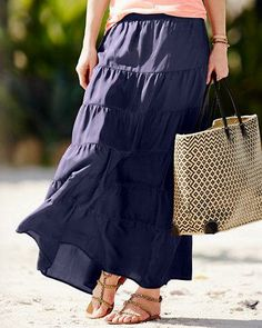 A great roll-and-go travel skirt, it looks equally chic paired with a tee for day or heels at night.