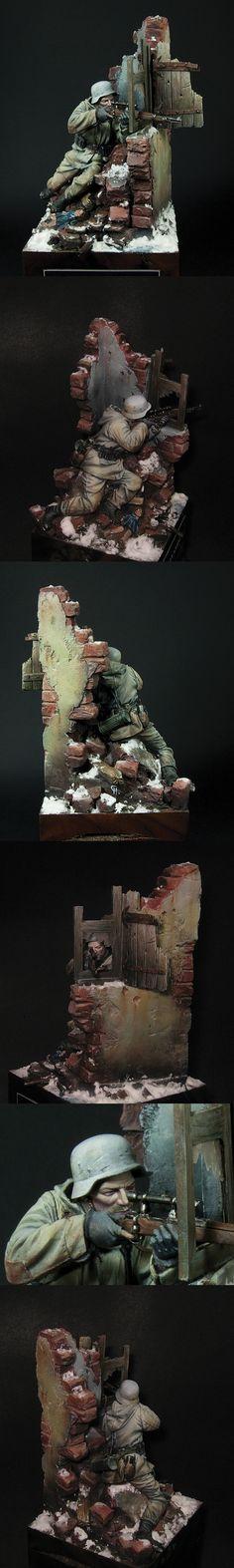 CoolMiniOrNot - German Sniper- Stalingrad 1943 by Mauganra