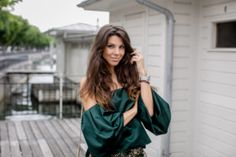 Influencer, My Outfit, Bell Sleeve Top, Zurich, Social Media, Outfits, Flower, Tops, Dresses