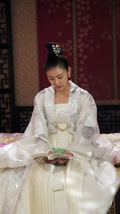 Empress Ki (Hangul: 기황후; hanja: 奇皇后; RR: Gi Hwanghu) is a South Korean pseudo-historical television series starring Ha Ji-won as the titularEmpress Gi. It aired on MBC from October 28, 2013 to April 29, 2014 on Mondays and Tuesdays at 21:55 for 51 episodes.