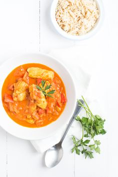 Today I share another recipe for Indian Curry with you. In Australia I ate a delicious one Chicken Tikka Masala at a nice India. Paleo Dinner, Dinner Recipes, Easy Chicken Tikka Masala, New Recipes, Healthy Recipes, Indian Curry, Food Menu, International Recipes, I Love Food