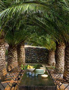 outdoor dinning room