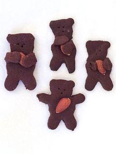 We Tried It: Those Too-Darn-Cute Teddy Bear-Cuddling-Nuts Cookies http://greatideas.people.com/2015/08/06/nut-hugging-teddy-bear-cookie-recipe/