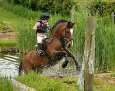 6 Yr old Sally featherstone showing us all how to ride a water complex grass roots at its best