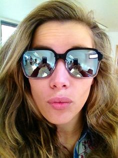 Rachel in Heally Sun #office #selfie #mirroredlenses #mycglife #pout #clairegoldsmith #eyewear #sunglasses