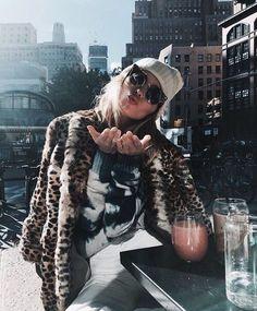 Victoria's Secret Angel Elsa Hosk flashes svelte tum and toned legs Kate Moss, Elsa Hosk, Ansel Adams, How To Pose, Mode Style, Autumn Winter Fashion, Winter Style, Fall Fashion, Fall Winter