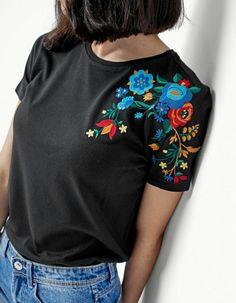 Плотная футболка с гладью / Вышивка / ВТОРАЯ УЛИЦА