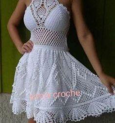 The Best Crochet Halter Tops [Crochet Patterns, Free Patterns & Video Tutorials] Bandeau Crochet, Crochet Halter Tops, Crochet Bikini Top, Crochet Blouse, Crochet Lace, Knit Dress, Hippie Crochet, Crochet Summer Dresses, Mode Crochet