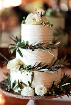 White Tiered Wedding Cake with Flowers | Wedding Cake