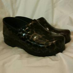 Dansko leopard print clogs So comfortable. Good shape. Really cute. dansko Shoes Mules & Clogs
