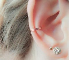 Rose Gold Ear Cuff - Non Pierced Adjustable Ear Cuff handmade from a 16 gauge Rose Gold Filled wire. No piercing needed & it looks just like the real thing!  The gold filled wire is a non tarnish material, can be wet and wont cause an allergic reaction.  Please choose the size that