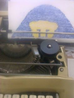 Dibujando con mi maquina de escribir