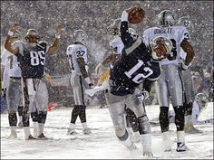 Snow!!! What snow??? This New England...this is just dusting!!! Bebe'!!! We love football in the snow!!! I remember a wonderful playoff game when it was snowing buckets!!!