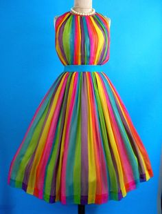 So Mad Men-ish -rainbow dress Rainbow Fashion, Colorful Fashion, Rainbow Outfit, Vintage Outfits, Vintage Fashion, Pretty Dresses, Beautiful Dresses, Rainbow Wedding, Taste The Rainbow