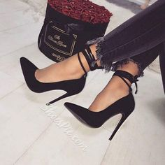 Women's Black Stiletto Heels Ankle Strap Heels Pumps image 1 Damen, Schwarze Stöckelschuhe, Knöchelriemen, Pumps image 1 This image has. Black Stiletto Heels, Black Stilettos, Black High Heels, High Heels For Prom, Shoes Heels Black, Black Prom Shoes, Gold Heels, Black Boots, Black Suede