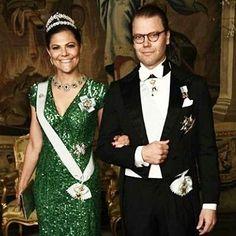 Crown princess Victoria and Prince Daniel tonight #crownprincessvictoria #kronprinsessanvictoria #kronprinsessan #prinsdaniel #princedaniel #swedishroyalfamily #swedishroyals #kungafamiljen