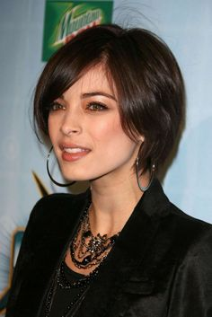 Google Image Result for http://images2.fanpop.com/images/photos/4000000/Kristin-at-Spike-TV-s-2008-VG-Awards-kristin-kreuk-4047475-1707-2560.jpg