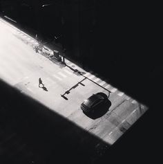 Jason Peterson is a very Instagram active american photographer. He photographs cities of New York and Chicago in black and white but with his iPhone.