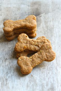 Dog Bone Biscuits by thelittleepicurean #Dog_Biscuits #Peanut_Butter #Oats