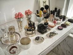 Halcyon Style: Vanity Organization
