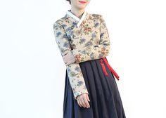리슬[LEESLE] 한복을 모티브로 한 캐주얼 브랜드 Modern Hanbok, Korean Traditional, Korea Fashion, Kimono, Asian, Culture, My Style, Womens Fashion, Sewing Ideas