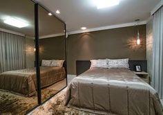 Decor Salteado - Blog de Decoração e Arquitetura : Guarda roupas/closets com portas espelhadas – veja lindos quartos decorados com essa tendência!