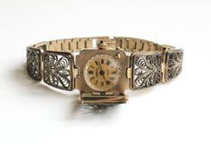 "Gold vintage watch. Soviet watch, Women's watch, Women's soviet watch, Vintage watch, Russian watch, ""Chaika"" 17 jewels, women's wrist watch, lovely gift for her"