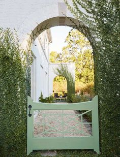 The long, lazy days of summer are the perfect time for garden exploration. These gorgeous garden gates are perfect for a beautiful outdoor spot.