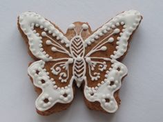 Motyl. Gingerbread Houses, Gingerbread Cookies, Brush Embroidery, Ginger Cookies, Ginger Bread, European Countries, Czech Republic, Cookie Decorating, Crochet