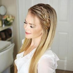 A new tutorial is up for this Woven Headband Braid!  It looks like a 4-strand braid but it's done differently so be sure to check out the tutorial through the link in my bio!  Let me know what you think!  #missysueblog