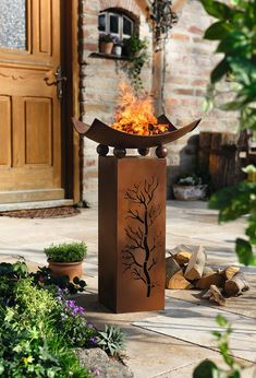 We have compiled a list of 50 DIY fire pit ideas that you can build for your own home. Diy Fire Pit, Fire Pit Backyard, Decorative Pillars, Garden Torch, Indoor Outdoor Fireplaces, Outdoor Art, Outdoor Decor, Fire Pit Designs, Steel Art