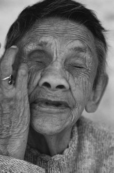 Mujeres, 1992 | PAZ ERRÁZURIZ Tina Modotti, Walker Evans, Gordon Parks, Mexico, Collage, American, Photography, Story Of My Life, Honesty