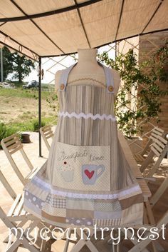 My country nest_the breakfast apron..adorable and doable :)