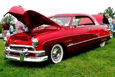 1951 Ford Crestliner Victoria