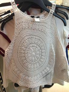 Crochet Bolero Pattern, Crochet Patterns, Crochet Blouse, Crochet Bikini, Crochet Crafts, Crochet Projects, Love Crochet, Knit Crochet, Tops Tejidos A Crochet
