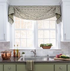 Whether you're looking for curtains, shades or something in between, here are 10 awesome window treatments that are DIY-friendly. - Check Out THE IMAGE for Lots of Ideas for Living Room Window Treatments. Kitchen Window Dressing, Kitchen Window Valances, Kitchen Curtains, Kitchen Window Decor, Above Window Decor, Window Seats, Valance Window Treatments, Kitchen Window Treatments, Custom Window Treatments