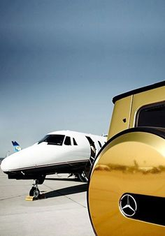 Gold Mirrored Mercedes & a private jet - Luxury & Glamour <3