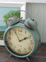 a vintage blue alarm clock.... be still my heart!
