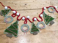 We loved Kate's autumn garland so much, we begged her to make a Christmas one for us! Grab your hooks and yarn and get festive!