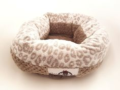 Bespoke Pets is an online e-commerce website that provides Cat Beds, Cat Blankets, Dog Beds & tunnels for quirky critters. Coral Bedding, Dog Bed, Donuts, Bean Bag Chair, Kitten, Blanket, Pets, Home Decor, Frost Donuts